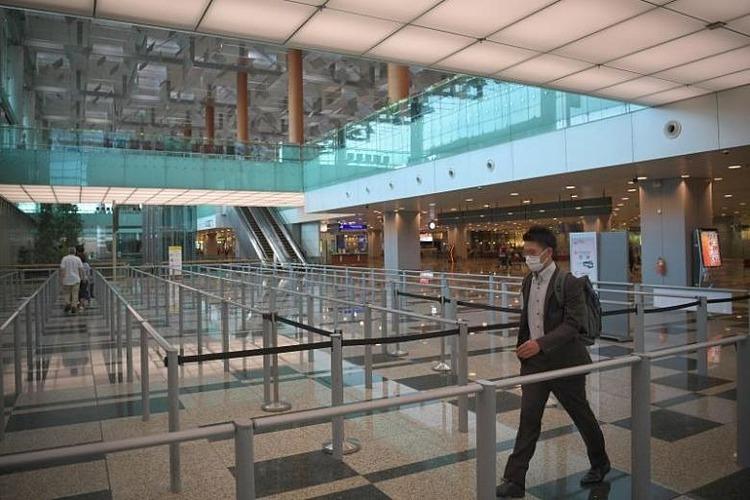 Sân bay Changgi vắng khách. Ảnh: Straitstimes.