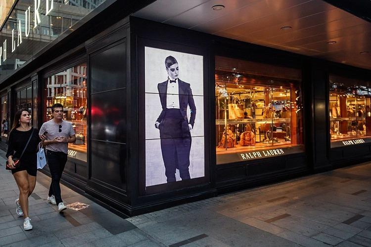 Một cửa hàng của Ralph Lauren tại Hong Kong. Ảnh: Bloomberg