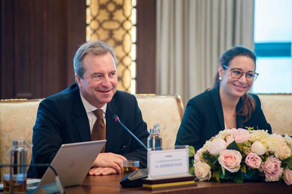 Cuộc họp có sự tham gia của đại diện cấp cao của Hãng hàng không Bamboo Airways và Airbus.