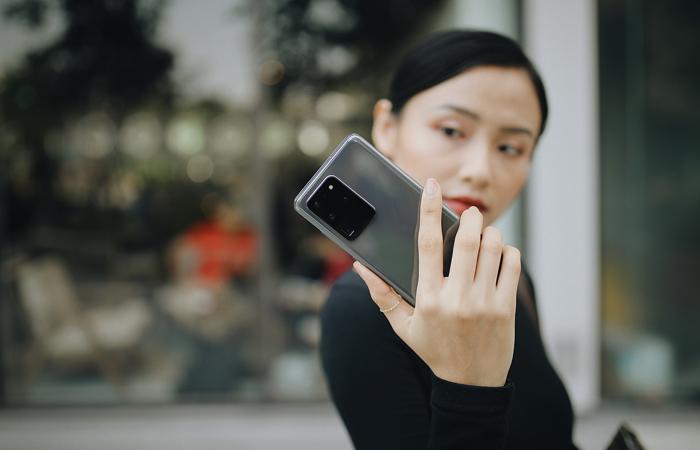 FPT Shop sẽ tài trợ bạn 100% lãi suất mua trả góp Galaxy S20 Series trong tháng 3 này.