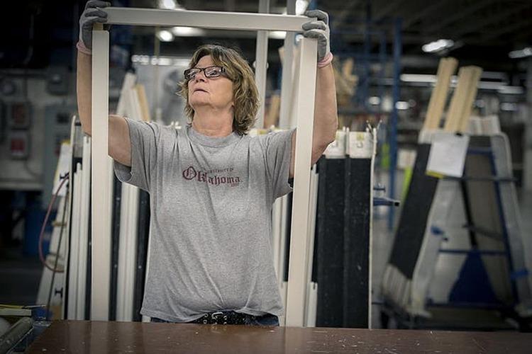 Sản xuất bên trong một nhà máy tại Mỹ. Ảnh: Zuma Press