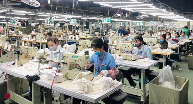 Tập đoàn Nagakawa sản xuất khẩu trang