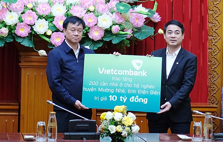 Vietcombank hỗ trợ xây nhà cho người nghèo - ảnh 1