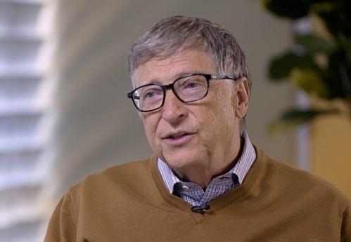 Đồng sáng lập Microsoft Bill Gates trong một cuộc phỏng vấn. Ảnh: Bloomberg