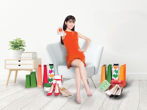 evoucher thuộc nhiều lĩnh vực dành cho chủ thẻ Vietcombank American Express khi mua sắm trên Shopee.