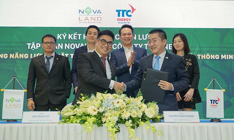 Lễ ký kết hợp tác Tập đoàn Novaland vừa ký kết hợp tác chiến lược với Công ty CP Năng lượng TTC (TTC Energy) để ứng dụng hệ thống năng lượng mặt trời cho các tiện ích công cộng và phát triển giải pháp công nghệ t