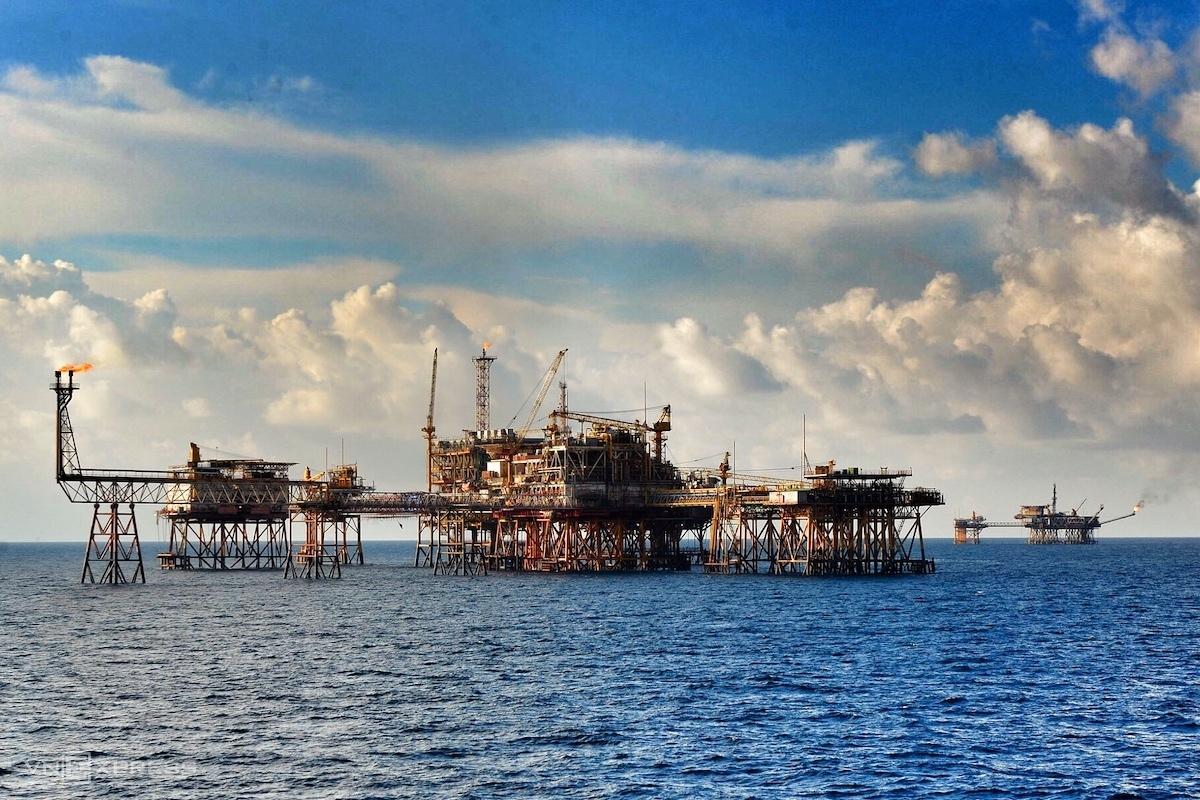 Giàn khoan dầu khí trên thềm lục địa Việt Nam. Ảnh: VnExpress