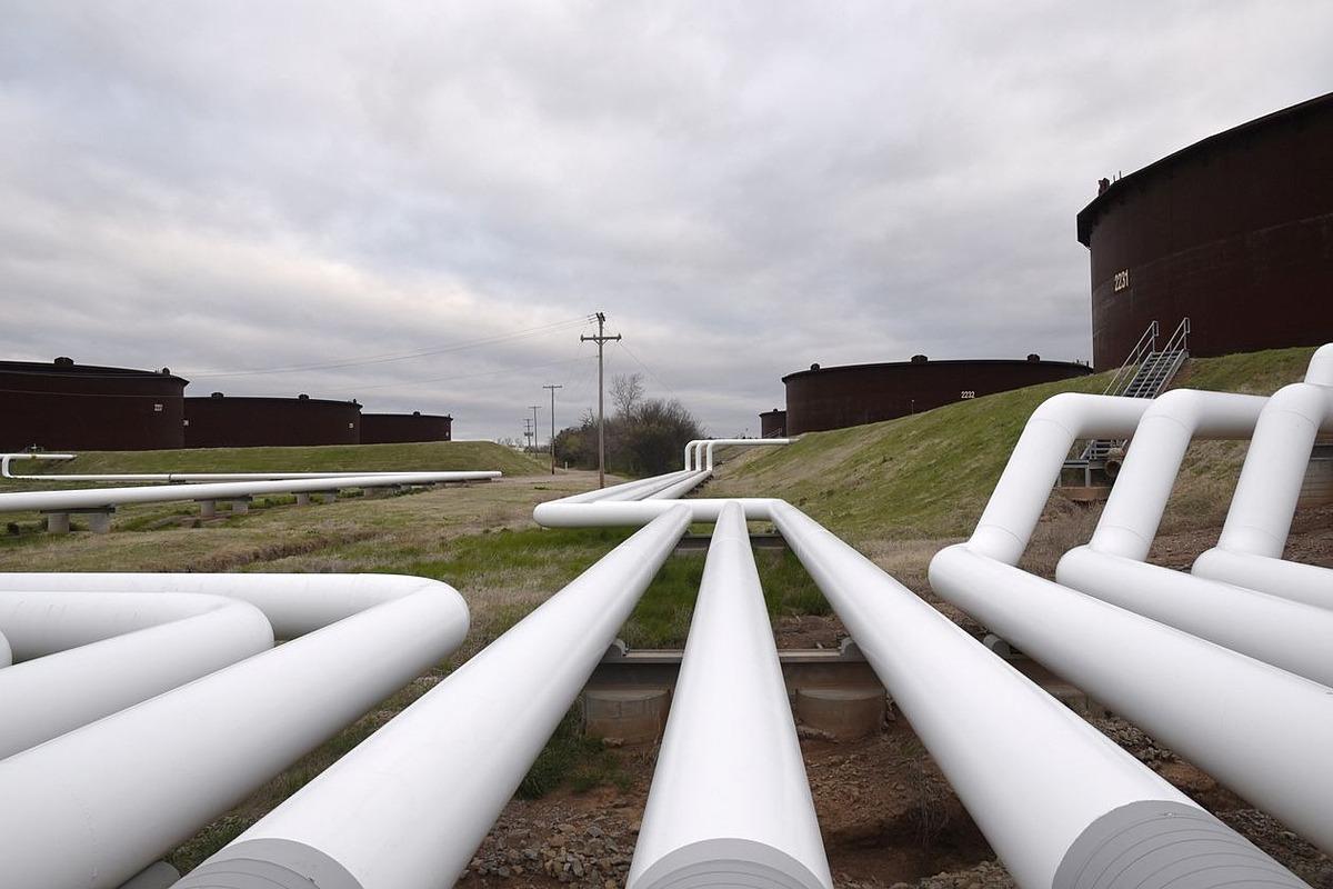 Các bồn chứa dầu của hãngEnbridge tạiCushing, bang Oklahoma, Mỹ. Ảnh: Reuters