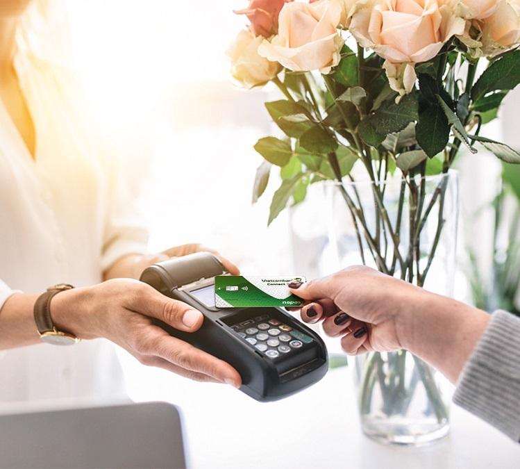 Vietcombank miễn phí phát hành thẻ ghi nợ - ảnh 1