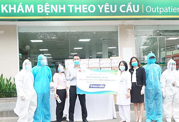 Dược phẩm CPC1 tặng Bệnh viện Bạch Mai 10.000 chai...