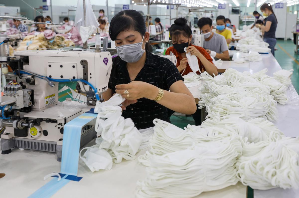 Photo of ADB dự báo Việt Nam tăng trưởng 4,8% năm nay