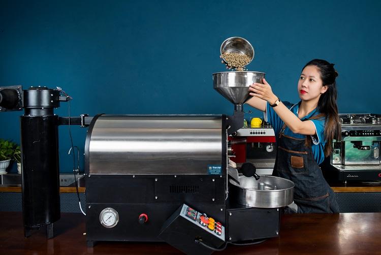 Máy pha cafe made in Vietnam. Ảnh: Tuyết Nhung.