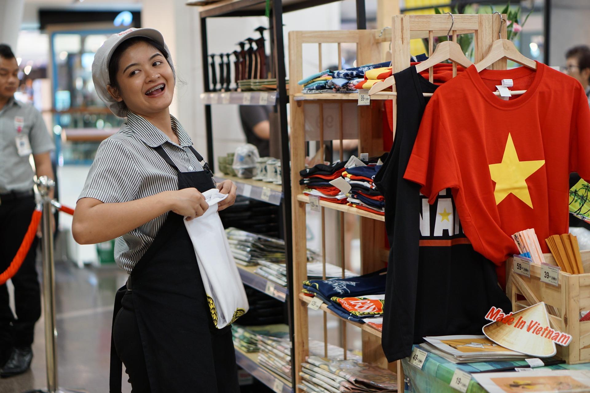 Hàng Việt Nam trưng bày tại Tuần hàng Việt Nam tại Thái Lan vào tháng 8/2017. Ảnh: Viễn Thông.