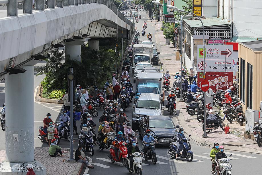Đường phố TP HCM trong nhữg ngày giãn cách cuối tháng 8/2021. Ảnh:Quỳnh Trần